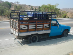Water delivery truck - Paja Colorada